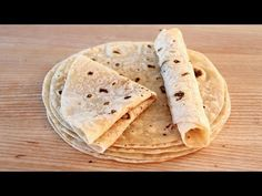Tortillas de harina de trigo para fajitas, kebab, wraps, burritos ¡Blanditas y finas! - YouTube Burritos, Crepes, Special Recipes, I Foods, Food Videos, Food And Drink, Cooking Recipes, Yummy Food, Favorite Recipes