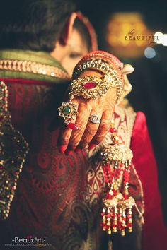 Look at this ornament! Amazing, is not it? Photo by Beaux Art's, Allahabad #weddingnet #wedding #india #indian #indianwedding #ceremony #indianweddingoutfits #outfits #backdrops #prewedding #photographer #photography #inspiration #gorgeous #fabulous #beautiful #jewellery #details #traditions #accessories #lehenga #lehengacholi #choli #lehengawedding #lehengasaree #saree #bridalsaree #weddingsaree #tikka #chudiyan #rings #earrings #mehendi