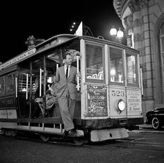 The San Francisco of the 40s and 50s revealed in stunning black and white photographs from the collection of photographer Fred Lyon
