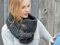 Tutoriel DIY: Tricoter une écharpe-col à boutons via DaWanda.com