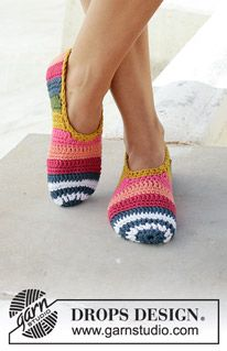 On Point - Crocheted slipper with stripes. Piece is crocheted in DROPS Paris. - Free pattern by DROPS Design