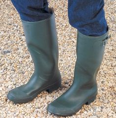 Wychwood Rubber Boots 32.00 euros www.henrystackleshop.com #fishing #tackle #footwear Tackle Shop, Fishing Tackle, Rubber Rain Boots, Footwear, Shopping, Shoes, Products, Fashion, Moda