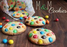 Miss Blueberrymuffin's kitchen: M&M-Cookies - wenn's bunt werden soll!