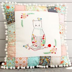 Use this stitching friends embroidered pillow pattern to bring some color and fun to your home! This pillow is so cute and fun to make! Crewel Embroidery, Embroidery Patterns, Quilt Patterns, Floral Embroidery, Pillow Patterns, Fun Patterns, Quilting Ideas, Machine Embroidery, Sewing Blogs