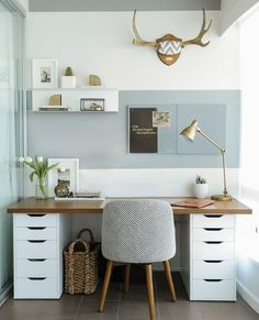Small Home Office Furniture, Diy Office Desk, Home Office Space, Guest Room Office, Home Office Desks, Office Decor, Diy Desk, Office Ideas, Ikea Office