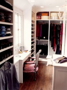 30 Fantastic Walk-In Closet Designs for Your Home Improvement How could you ever choose? 30 Fantastic Walk-In Closet Designs for Your Home Improvement Closet Walk-in, Closet Vanity, Dressing Room Closet, Closet Space, Closet Storage, Closet Ideas, Closet Organization, Dressing Rooms, Closet Office