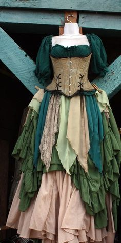 About twice a year, I go to the Renaissance Festival. I dress up and everything. It's like a big in-costume shopping trip. Medieval Dress, Moda Medieval, Medieval Witch, Medieval Peasant, Renaissance Costume, Medieval Costume, Renaissance Clothing, Renaissance Gypsy, Period Outfit