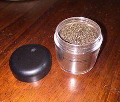 MAC Green Brown Pigment