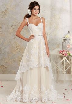 A-line gown with sweetheart neckline and embellished lace I Style: 8535 I Modern Vintage by Alfred Angelo I http://knot.ly/6491B4E6U