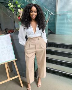 Image may contain: 1 person, standing Classy Casual, Classy Outfits, Chic Outfits, Girl Outfits, Fashion Outfits, Black Girl Fashion, Work Fashion, Daily Fashion, Fashion Looks