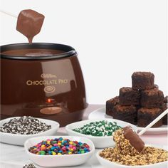 use marshmallows instead of brownies Quality Wilton Chocolate Melter Valentine Candy Fondue Pro Electric Melting Pot Fondue Recipes, Cooking Recipes, Fondue Ideas, Kabob Recipes, Copycat Recipes, Beef Recipes, Healthy Recipes, Fondue Maker, Fondue Party