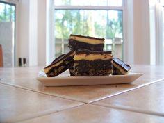 Nanaimo Bars Bird's Custard, Custard Powder, Vanilla Custard, Graham Cracker Crumbs, Graham Crackers, Retro Recipes, Ethnic Recipes, Nanaimo Bars, Vanilla Pudding Mix