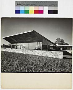 Robinson House, View from the Northeast / Architect: Marcel Breuer / Photo: Robert M. Damora