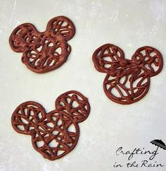 cute directions for making these little mickey mouse chocolate wafers. these would be cute for deserts in any shapes.I think Everett may need these for his mickey mouse birthday party! Minnie Y Mickey Mouse, Mickey Mouse Clubhouse Party, Mickey Party, Mickey Mouse Treats, Baby Mickey, Mickey Cupcakes, Fete Emma, Chocolate Wafers, Homemade Chocolate
