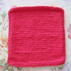 Whether you're just learning how to knit or you're a seasoned pro looking to whip up a few quick kitchen and bath accessories, a knit dishcloth pattern is a wonderful knitting tool for knitters of varying abilities.