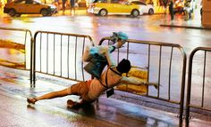 """Typhoon injures over 81 in Taiwan, traps dozens http://betiforexcom.livejournal.com/27013715.html  Author:ReutersSun, 2017-07-30 03:00ID:1501381249270827600TAIPEI: A strong typhoon swept across Taiwan on Sunday, injuring more than 81 people, forcing the capital to shut down essential services and knocking out power to hundreds of thousands of homes. Forty people were trapped in the southern parts of the island, mainly due to floodwaters, the government said. """"Typhoon Nesat,"""" a medium…"""