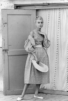 Model in cotton print dress with matching bolero, 1957. #vintage #1950s #summer_fashion