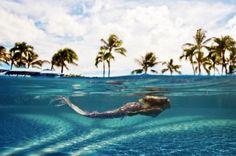 Su corazón tranquilo como la marea sueña con romances y amores de verano.