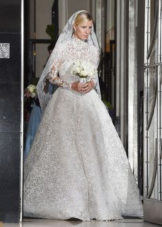 Well In The Words Of Bruno Mars And Mark Ronson Dont Believe Me Just Watch Celebrity Wedding DressesCelebrity