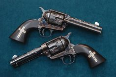 I would love to own these six-guns ! www.classicsingleaction.com Gold alloy…