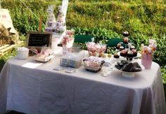 Mesa de dulces al aire libre
