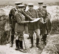King George visits the front in France with Sir Henry Rawlinson and General Congreve, 1916.