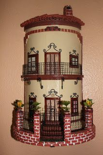 TEJAS DECORADAS | papeldecesta Clay Houses, Ceramic Houses, Miniature Houses, Diy Clay, Clay Crafts, Roof Tiles, Altered Bottles, Wine Bottle Crafts, Tile Art