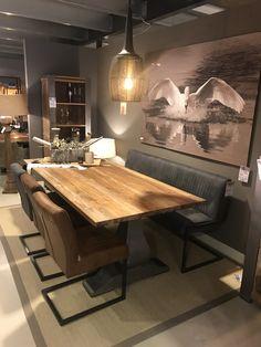 #Eetkamerbank en #stoelen Ferro #industriële stijl 😍 3 kleuren Stoel zonder arm € 119 Stoel net arm € 169 Eetkamerbank: 135 cm € 445 155 cm € 469 185 cm € 515 Let op: De eetkamerbank is alleen onder een tafel te zetten indien, de poten niet op de hoek staan. Dit i.v.m instappen. Lg Hallo voor sfeervol wonen. Home Furnishings, Open Plan Kitchen Dining, Dining Table With Bench, Room Sofa, Lounge Seating, Elegant Dining Room, Dining Room Table, Dining Room Sofa, Home And Living