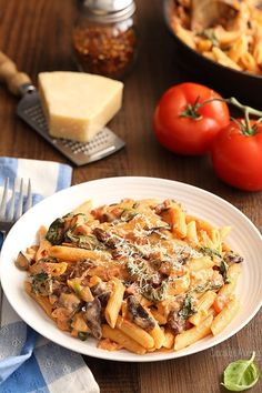 homemade tomato sauce. This meatless Creamy Tomato and Mushroom Pasta ...