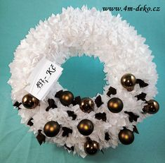 Vypichovaný látkový adventní věnec bílý. Christmas Wreaths, Holiday Decor, Home Decor, Decoration Home, Room Decor, Home Interior Design, Home Decoration, Interior Design