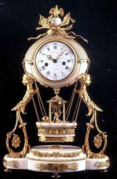Pendules anciennes, collection de vieilles pendules du passé - Antiquités et brocante Antique Mantel Clocks, Mantle Clock, Clock Decor, Vintage Clocks, Unusual Clocks, Cool Clocks, Globes Terrestres, Clocks Inspiration, Wall Clock Luxury