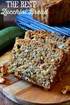 Best Ever Zucchini Walnut Bread This is the BEST recipe for Zucchini Bread EVER! Studded with buttery walnuts, this perfectly spiced, moist & tender zucchini bread is packed with flavor and is SO EASY! Zucchini Bread Muffins, Zuchinni Bread, Gluten Free Zucchini Bread, Zucchini Bread Recipes, Keto Bread, Zucchini Cake, Zucchini Bread With Pineapple, Banana Bread, Bread Diet