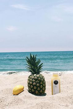 Pineapple Ginger L E M O N A D E  Replace your high sugar drink with a hydrating & refreshing cold-pressed juice perfect for the summer time. ‪#‎ShareTheHealth‬