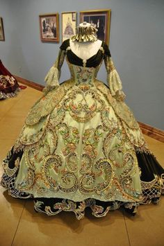 18th Century French Ball Gown | 18th century gowns | 18th Century period Ball Gowns designed by Linda ...