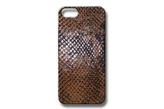 Chic embossed snake leather case designed to protect your iPhone. Fits iPhone 5 and 5s Fits iPhone 6 Fits iPhone 6 Plus Handmade in los Angeles Fun colors   PRO