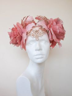 Your place to buy and sell all things handmade - Excited to share the latest addition to my shop: Romantic Rose Gold Christmas Sparkle Dusty Pink Jewelled Flower Crown Fairy Headdress Art Nouveu Headpiece Festival Winter Jule Costume - Costume Fleur, Silhouette Mode, Flower Silhouette, Flower Costume, Pink Costume, Accessoires Photo, Floral Headpiece, Flower Headdress, Romantic Roses