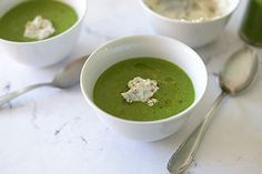 Qooking.ch | Velouté d'épinards à l'os à moelle Ethnic Recipes, Food, Dish, Recipe, Meals, Yemek, Eten