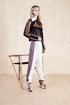 Sfilata Fendi New York - Pre-collezioni Primavera Estate 2014 - Vogue