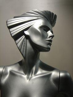 Silberpuppe 1985 von Wolfgang U.Ackermann Art Deco redux.