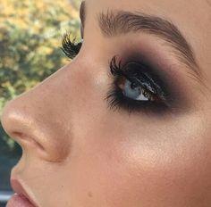 Mia Connor Makeup Artist @miaconnor