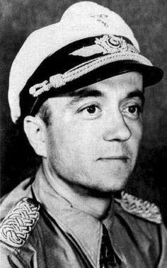 ✠ Bernhard Jope (10 May 1914 – 31 July 1995) RK 30.12.1940 Oberleutnant Flugzeugführer i. d. 2./KG 40 + 24.03.1944 [431. EL] Major Kommodore KG 100
