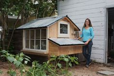 "Chicken Coop Ideas. Black roof? Trying to find some passive solar heating options for winter. Could a chicken ""sunroom"" off the main hen house help keep the girls warm? Trying to avoid using lamps..."