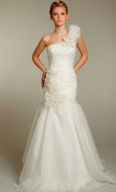 Sample Jim Hjelm Wedding Dress Blush 1155. If I had $600 bucks this would be mine for when I will need it!