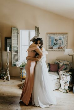 Le San Michele Wedding Day Details bride getting ready photos Wedding Picture Poses, Funny Wedding Photos, Vintage Wedding Photos, Wedding Poses, Wedding Photoshoot, Vintage Weddings, Lace Weddings, Wedding Pictures, Romantic Weddings