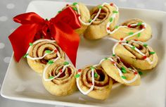 Cinnaroll Holiday Wreath Recipe | Christmas Desserts