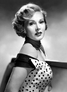 Zsa Zsa Gabor/Жа Жа Габор Golden Age Of Hollywood, Vintage Hollywood, Hollywood Glamour, Hollywood Stars, Hollywood Actresses, Classic Hollywood, Hollywood Cinema, La Soif Du Mal, Gabor Sisters