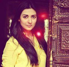 Sarah Khan In Yellow Dress Pakistani Models, Pakistani Girl, Pakistani Actress, Celebrity Singers, Maya Ali, Cute Celebrities, Show Photos, Film Industry, Beauty Queens