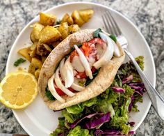 Shawarma Sauce, Shawarma Recipe, Grilled Tofu, Marinated Tofu, Whole Wheat Pita Bread, Vegetarian Recipes, Cooking Recipes, Yummy Recipes, Tofu Sandwich
