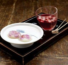Hwa Jeon (Flower Rice Cakes)  Sweet rice powder kneaded with boiling water, shaped flat and round, decorated with flower petals, and pan-fried. Hwajeon was traditionally made with seasonal flowers - most commonly azalea, rose, and chrysanthemum.
