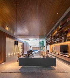 Architecture: studio mk27 – Marcio Kogan + Carolina Castroviejo Interiors: studio mk27 – Diana Radomysler